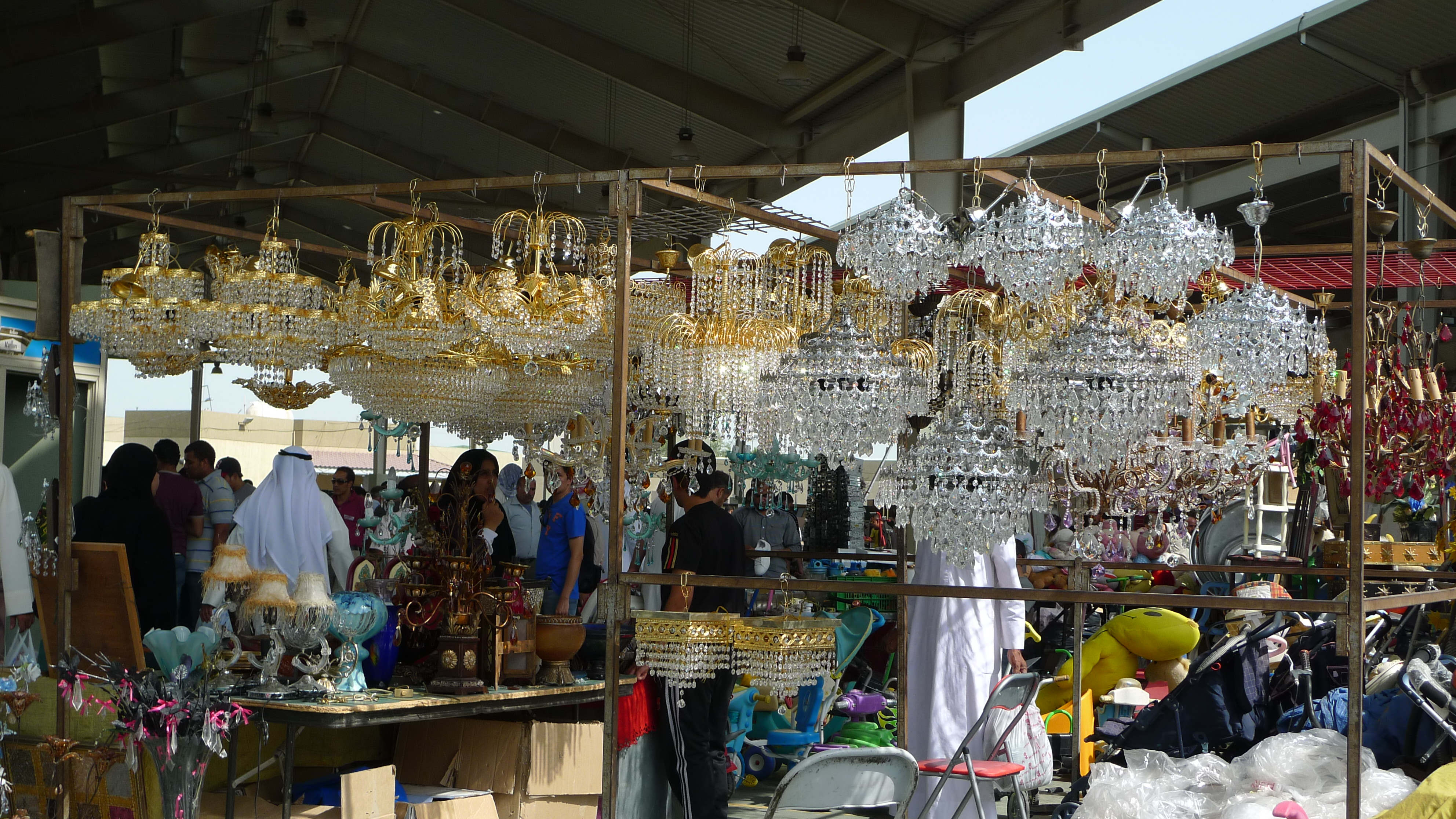 03 November 2011 – Second Hand Chandeliers