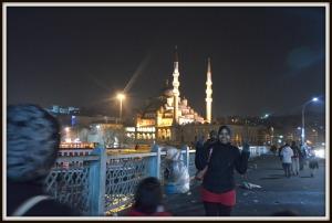 Walking on Galata Bridge. Don't be fooled by the smile sebenarnya dah nak nangis sebab sakit kaki tu hehehe